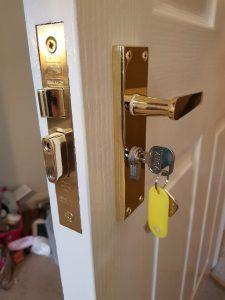 euro cylinder sash lock